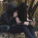 Praznina, Ki Jo Polni Alkohol